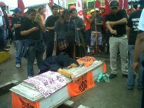 Iquitos: gremios de la CGTP acataron paralización de 24 horas
