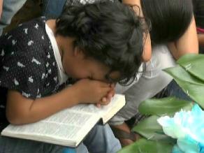 Pareja peruana podrá visitar a niño que busca adoptar