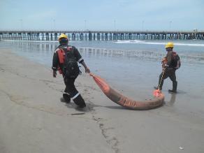 Tumbes: mil 100 litros de residuos oleosos fueron vertidos al mar