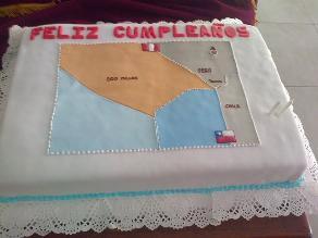 Regalan torta con nueva delimitación marítima a Wagner por su cumpleaños
