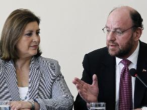 Canciller Eda Rivas arribó a Lima tras reunión 2+2 en Chile