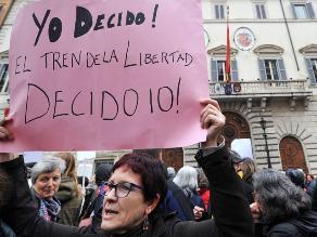 Española contra ley del aborto: