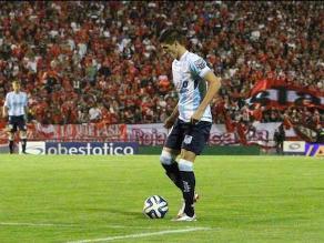 Fútbol argentino: Racing arranca goleando con fantástico gol de chalaca