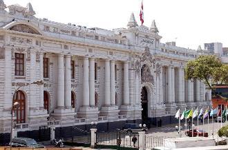 Congresistas rechazan carta de protesta chilena por triángulo terrestre