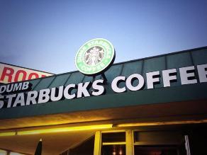 Los Ángeles: Aparece tienda que parodia a cafetería Starbucks