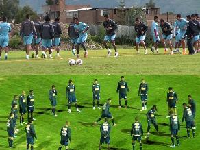 Garcilaso y Cruzeiro realizan último entrenamiento previo al partido
