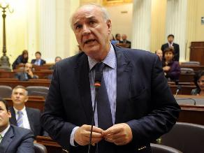 García Belaunde promete no repetir comentarios que