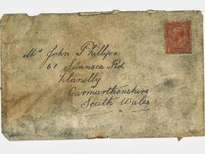Mujer recibe la carta de su abuelo casi 100 años después