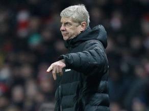 Arsene Wenger afirmó que los ataques de Mourinho avergüenzan al Chelsea