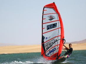 Nicolás Schreier se coronó bicampeón en Torneo de Windsurf en Paracas