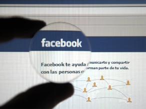 Islamistas apedrean hasta la muerte a joven siria por usar Facebook