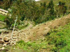 Cusco: huaico sepulta a tres personas en Echarate