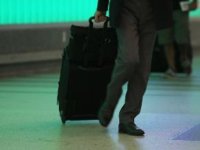 EEUU alerta a aerolíneas de posibles ataques con explosivos en zapatos