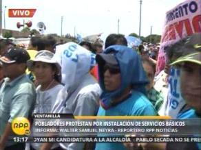 Pobladores de Ventanilla bloquearon avenida Faucett