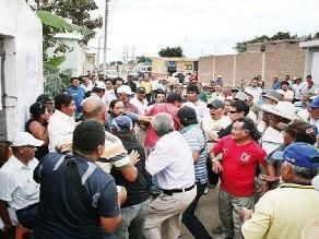 Lambayeque: socios frustran asamblea que se realizaba en la calle