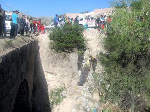 Rioja: vehículo con al menos 26 pasajeros sufre accidente