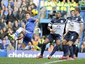 Chelsea venció a Everton con gol agónico de Terry y lidera la Premier