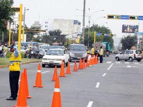 Surco: Aplican plan para descongestionar zona en puente Benavides