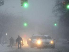 Canadá: tormenta de nieve causa la colisión de 100 vehículos en Toronto