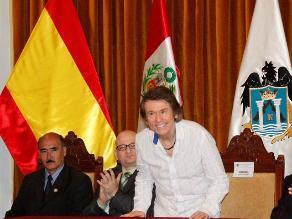 Divo español Raphael feliz de visitar Trujillo