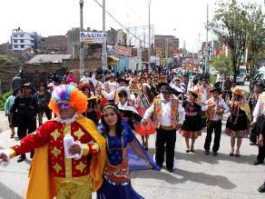 Ayacucho inicia los carnavales con el ingreso del Ño Carnavalón
