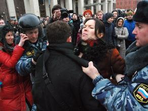 Más de 300 detenidos en Moscú por gritar ´no a la guerra´ en Crimea