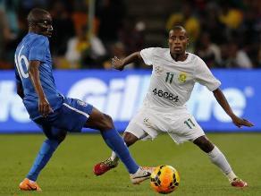 Sudáfrica jugó ante Brasil con camiseta en homenaje a Nelson Mandela