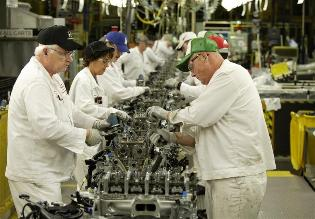 Economía de EEUU creó más empleos de lo previsto en febrero
