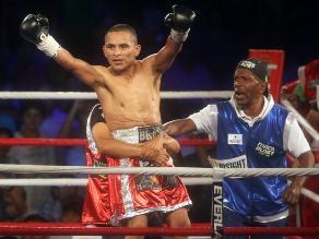 Mira los mejores pasajes de la pelea de Chiquito Rossel por el título AMB