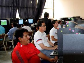 Internos y profesores inician clases en penal Miguel Castro Castro