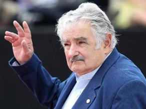 José Mujica viajó a Chile para la investidura de Michelle Bachelet