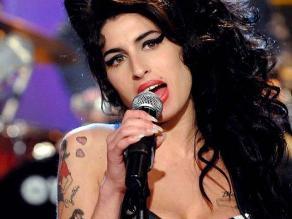 Amy Winehouse gastaba mil dólares diarios en drogas
