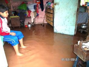 Lluvias torrenciales dejan sin luz la ciudad e inundan viviendas