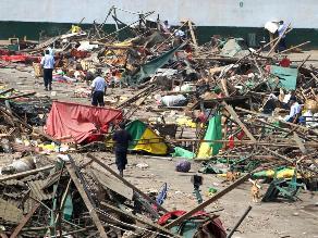La Parada: Comerciantes impiden ingreso de camiones de municipio de Lima