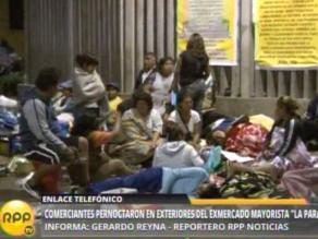 Comercianten duermen en alrededores del exmercado mayorista de La Parada