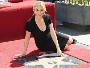 Kate Winslet recibe su estrella en Hollywood