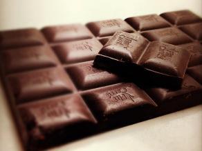 Chocolate negro reduce el riesgo de infarto