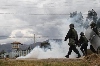 Cajamarca: Policía dispersa a manifestantes en Conga