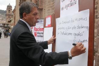 Autoridades suscriben mensaje contra el racismo en Cusco
