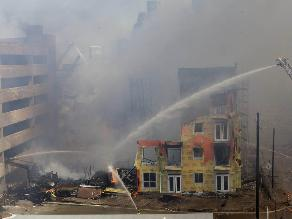 EEUU: Incendio consume complejo de departamentos en Houston