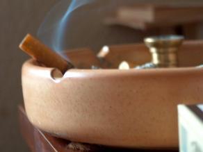 Cigarrillos electrónicos no ayudan a dejar de fumar, según estudio