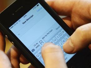 Abusar del móvil puede causar lesiones en las manos