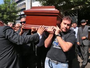 Trasladan restos de Pepe Vásquez cantando el ´Jipi Jay´