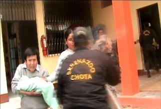 Cajamarca: gestante alumbró a su hijo en servicios higiénicos
