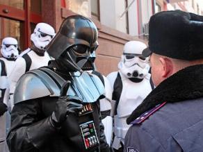 Su nombre real es Darth Vader y quiere ser presidente de Ucrania