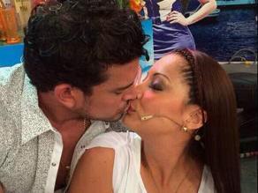 Christian Dominguez y Karla Tarazona desbordan amor en las redes