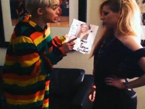 ¡Duelo de divas! Miley Cyrus golpeó a Avril Lavigne