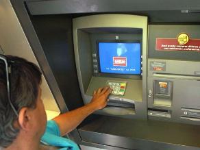 Bancos asumirán pérdidas por manipulación de cajeros y clonación