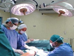Chiclayo: salvan pierna a trabajador aplastado por procesadora