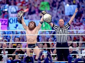 Mira el triunfo de Daniel Bryan ante Randy Orton y Batista en WrestleMania